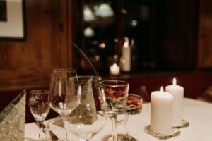 Elegantes candle light dinner in Gemünden am Main, Lohr, Karlstadt und Main-Spessart. Feines Essen in gehobener festlicher Atmosphäre.